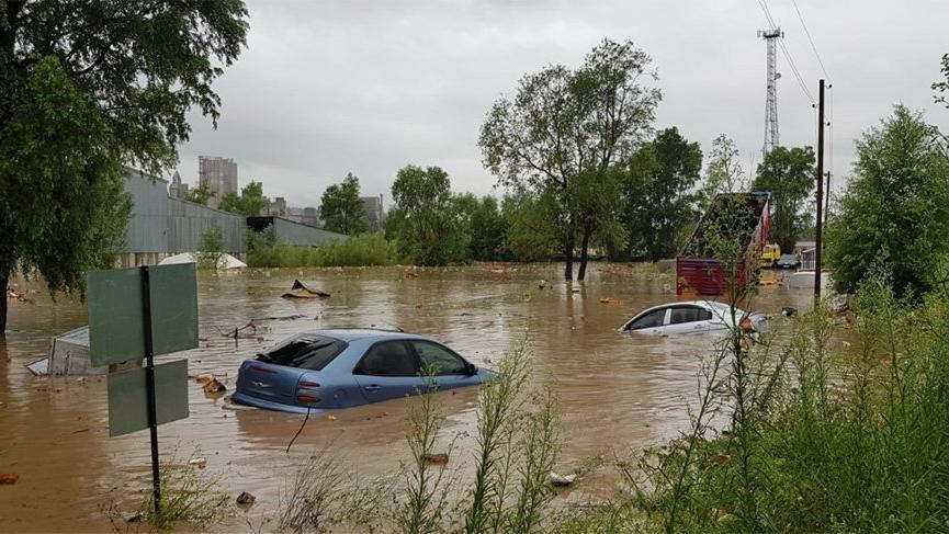 Karadeniz'i sel vurdu! Köprüler yıkıldı insanlar mahsur kaldı