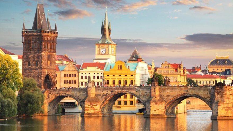 Çek Cumhuriyeti gezilecek yerler ve Prag gezi rehberi