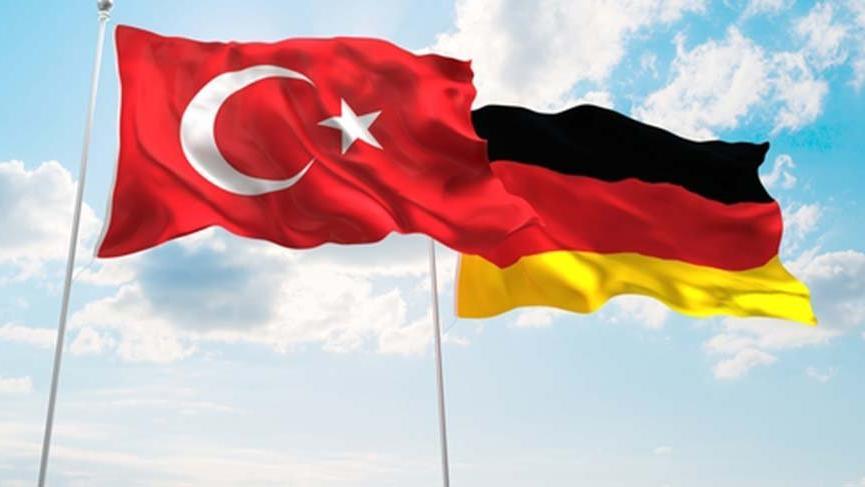 Berat Albayrak'tan Almanya ve Avrupa mesajı