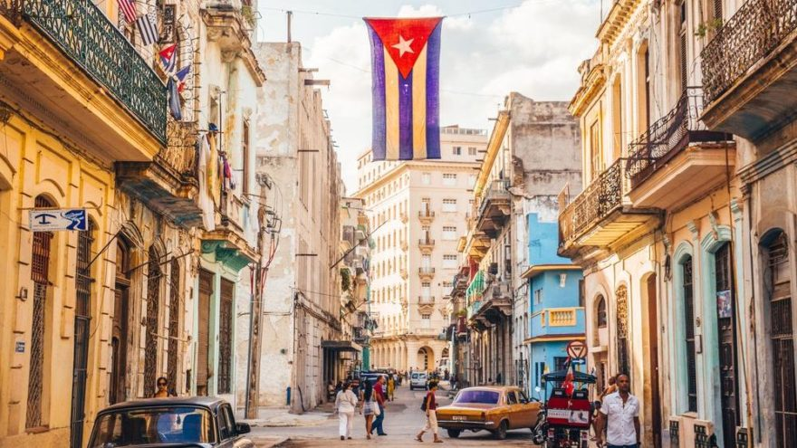Küba gezilecek yerler: Beyaz kumlu plajları ve hareketli kültürü ile Küba gezi rehberi…
