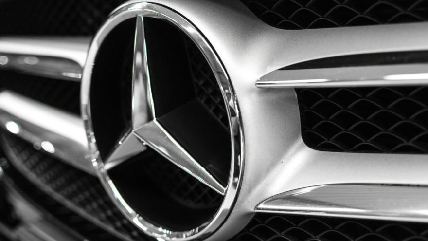 Mercedes İran'dan çıktı!