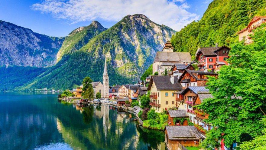 Avusturya gezilecek yerler: Yemyeşil ormanları ve gölleri ile Avusturya yolcu rehberi