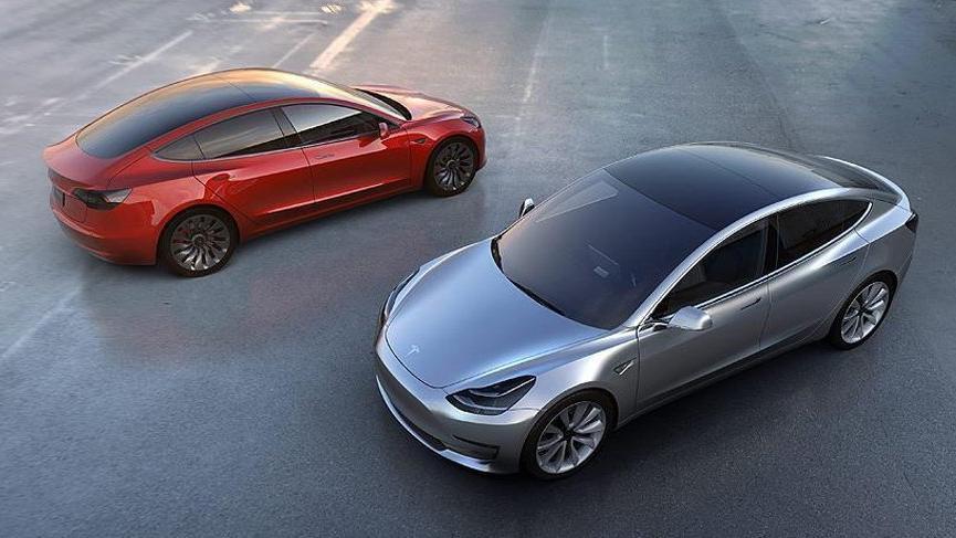Elon Musk, Tesla'yı borsadan çekmeyi düşünüyor