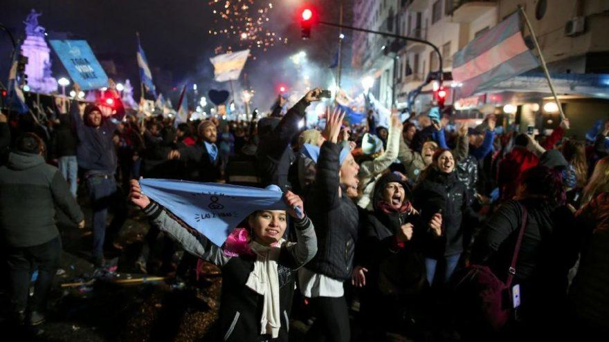 Arjantin'de kritik oylama yapıldı: Kürtaj hakkında karar verildi