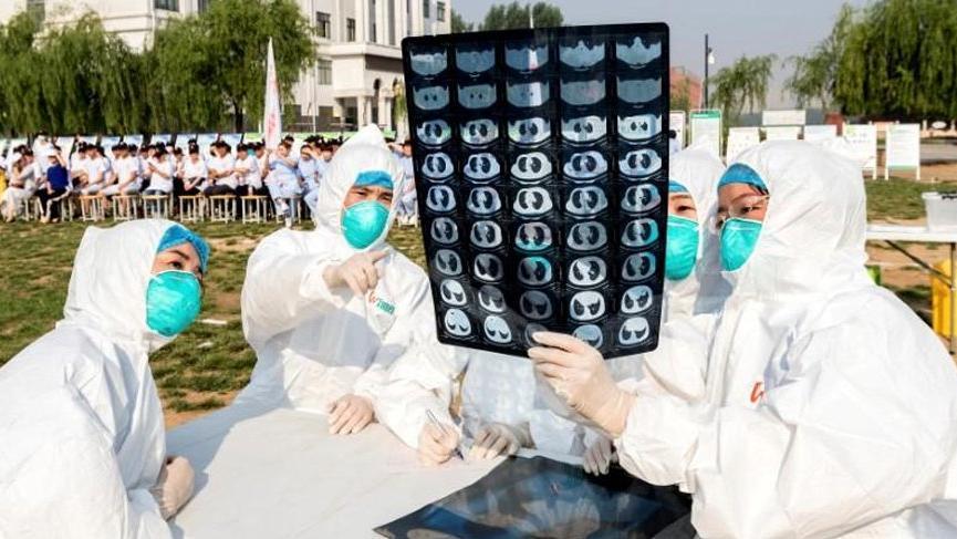 Çin ölümcül virüs konusunda oyun oynuyor