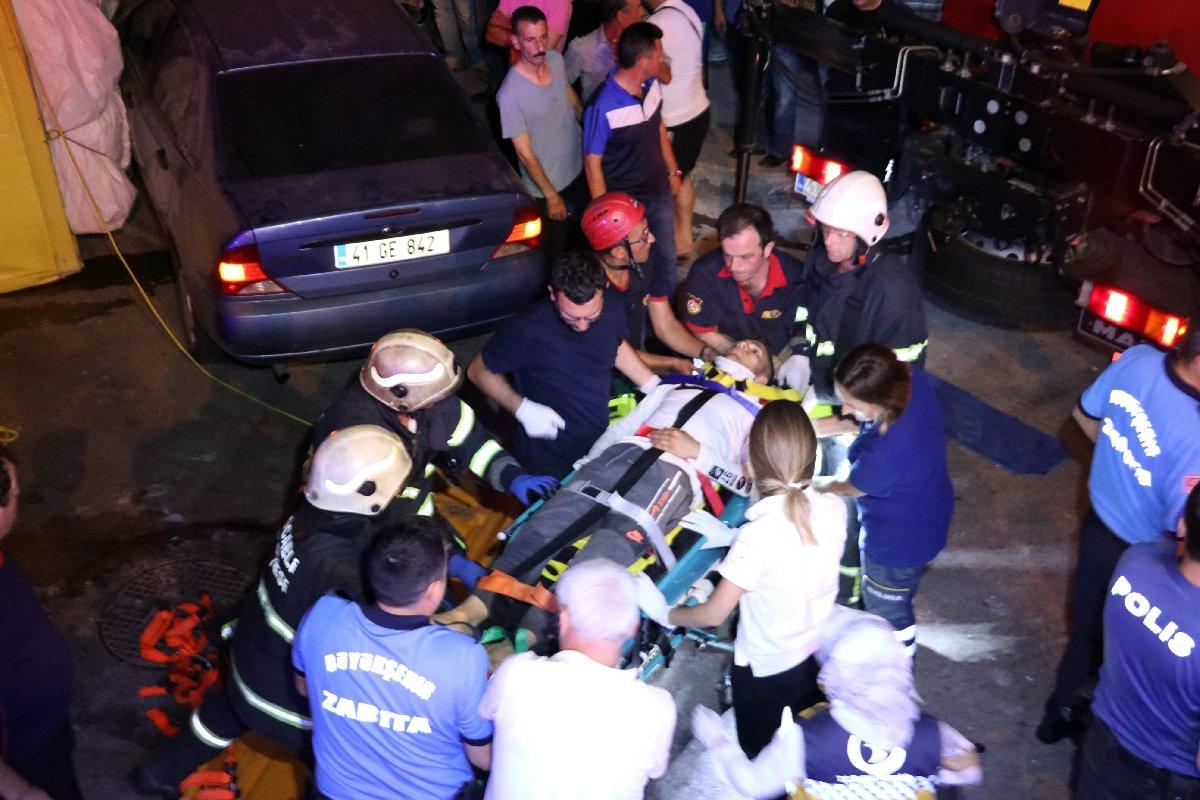 Yararlılar ambulanslarla hastaneye kaldırıldı. İHA
