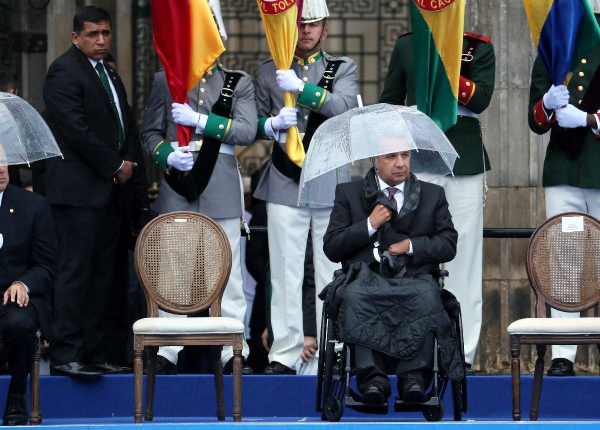 Ekvador Devlet Başkanı Lenin Moreno da şemsiyesini tutan devlet liderlerindendi.