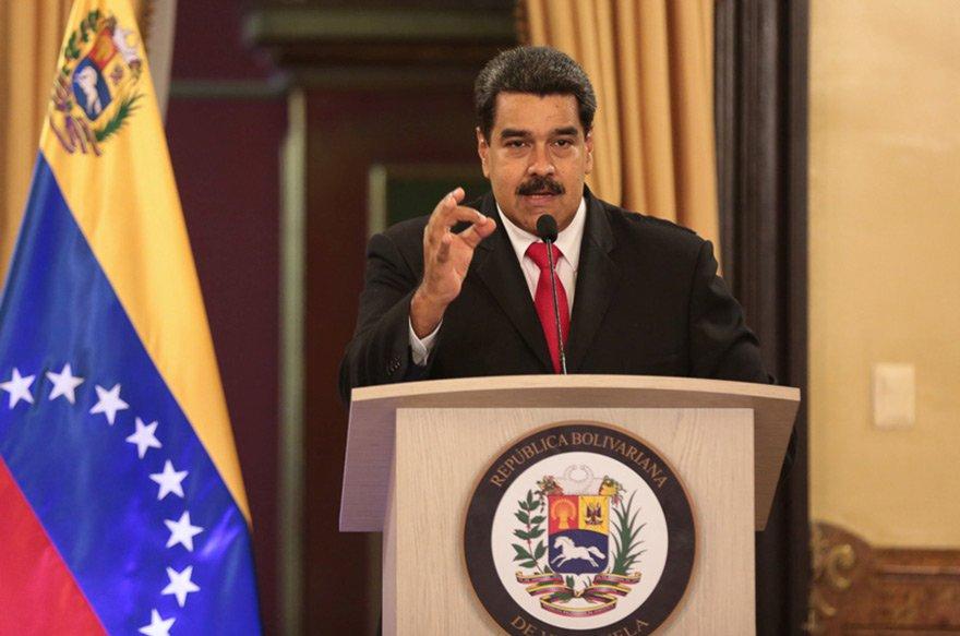 Maduro suikast girişimi sonrası kameralar karşısına geçip açıklamalarda bulundu. Fotoğraf: Reuters
