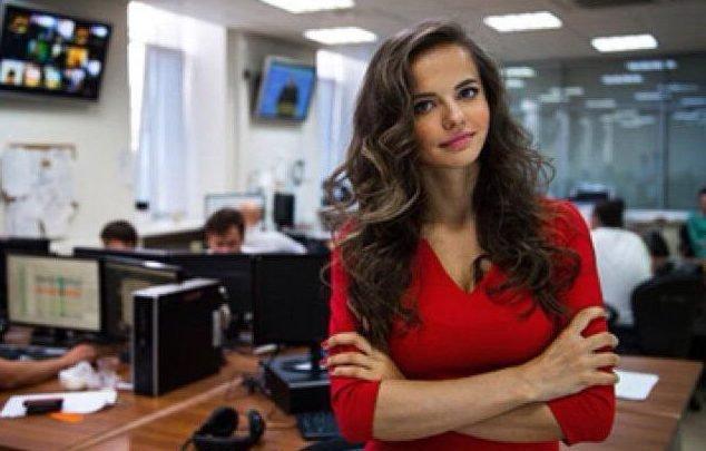 Fotoğraftaki kadının Rus ordusunun sözcüsü olduğu iddiaları ortaya atıldı.