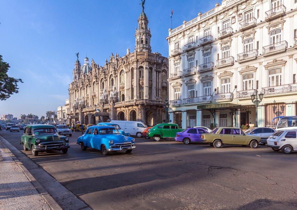 Küba klasik arabalarıyla da dikkat çekiyor. Foto: Shutterstock
