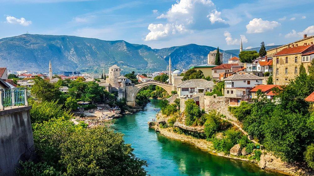 Mostar Köprüsü - Shutterstock