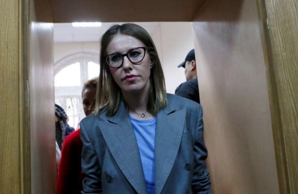 Kariyeri boyunca gazetecilik ve oyunculuk da yapan Sobchak, Putin'in en büyük muhaliflerinden biri.