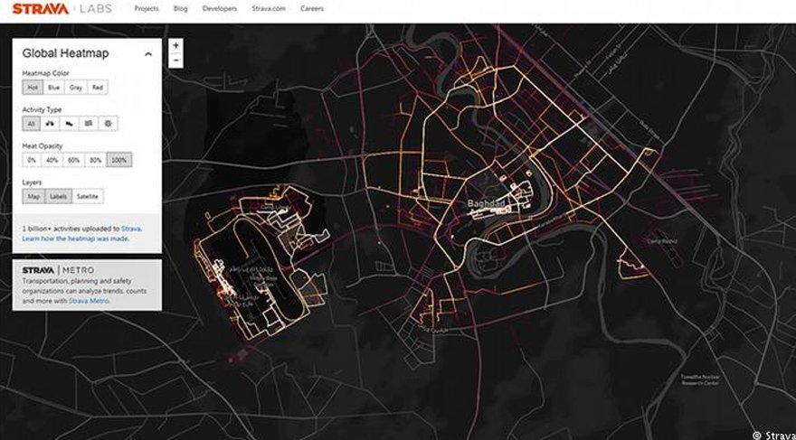 Strava adlı GPS uygulamasını kullanan bazı askeri bölgelerin ifşasına neden olmuştu. DW