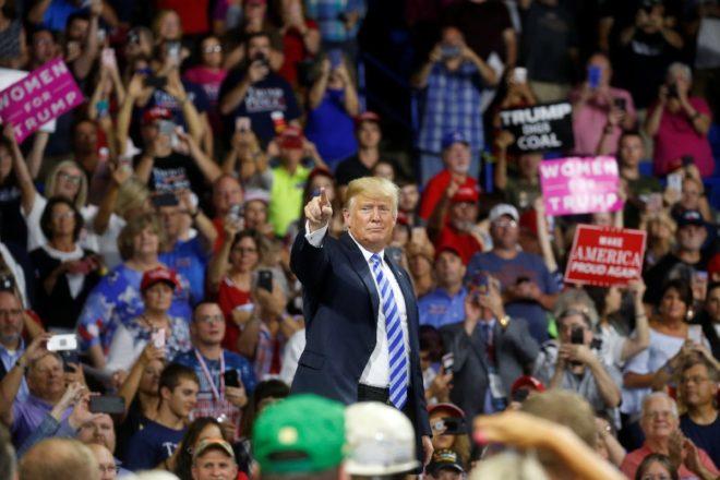 Trump, Charleston'da katıldığı etkinlikte Cohen'le ilgili yorumda bulunmaktan kaçındı.