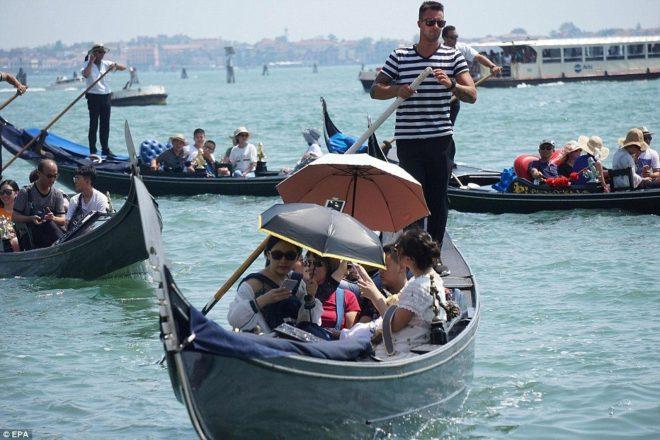 Venedik'te bu hafta ölçülen en yüksek hava sıcaklığı 38.7 derece.