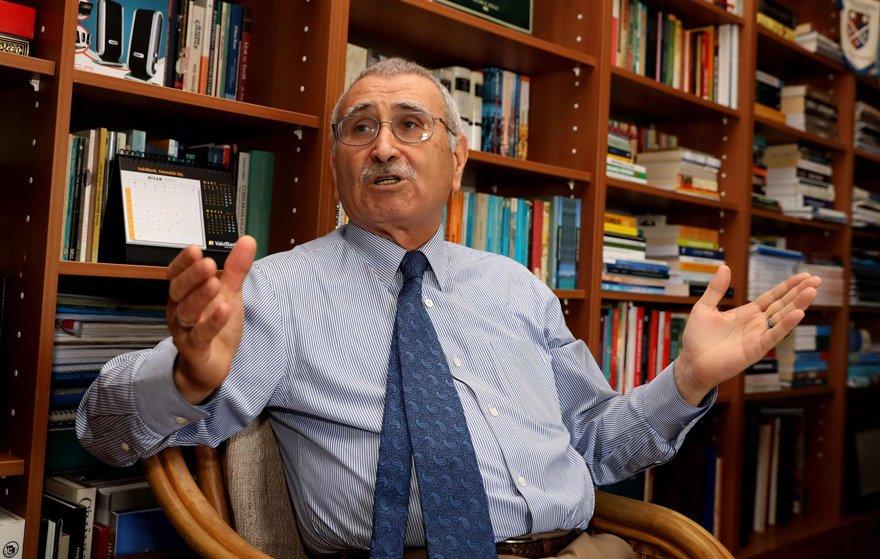 """Durmuş Yılmaz, """"Türkiye neden durup dururken, kendisini yabancı bir kuruluşa denetletme kararı aldı"""" diye sordu."""