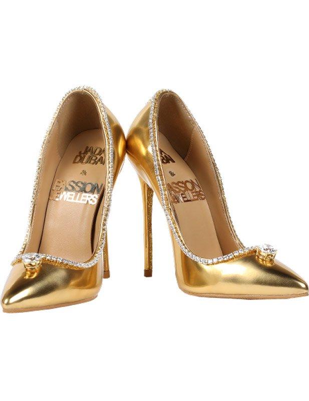 17 milyon dolarlık altından ayakkabı.