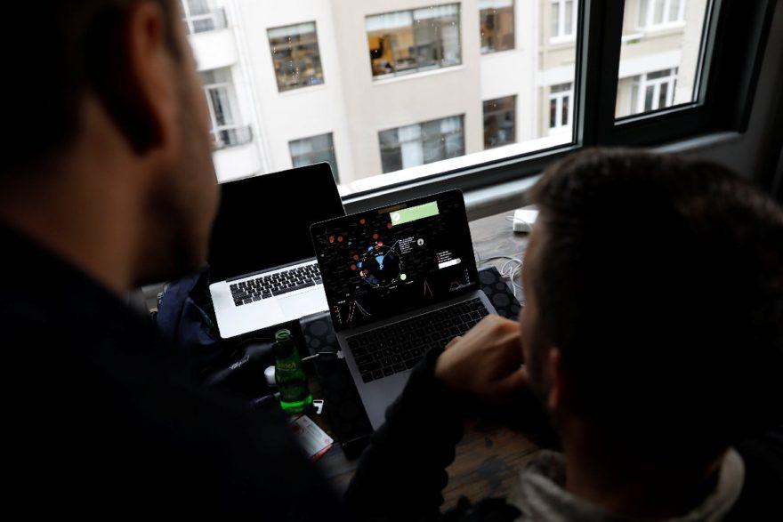 ABD vatandaşı iki girişimci Türkiye'de ofis tutarak çalışmalarına devam ediyor. DHA