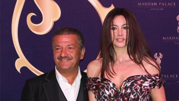 Otelin kurucusu Telman İsmailov ile dünya starı Monica Bellucci aynı karede yer alıyor