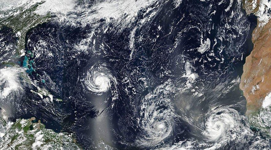 Florence fırtınası ABD'nin doğu sahillerine doğru hızla yaklaşıyor. AA