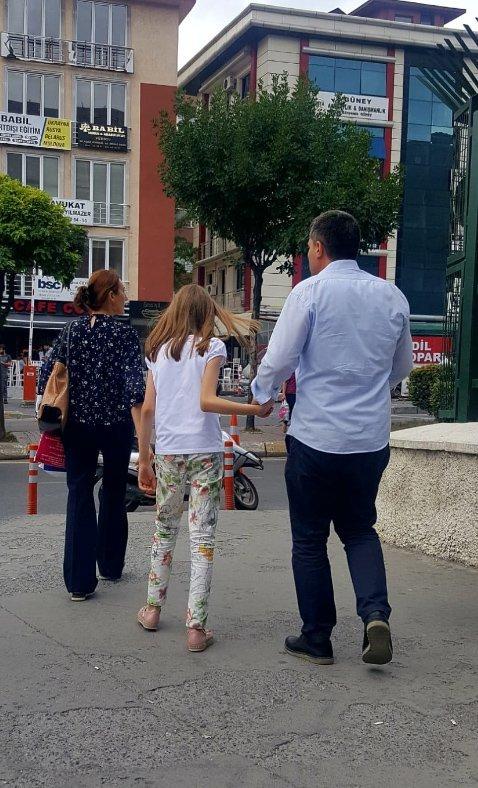 FOTO:SÖZCÜ- Baba-kız adliyeden böyle ayrıldılar.