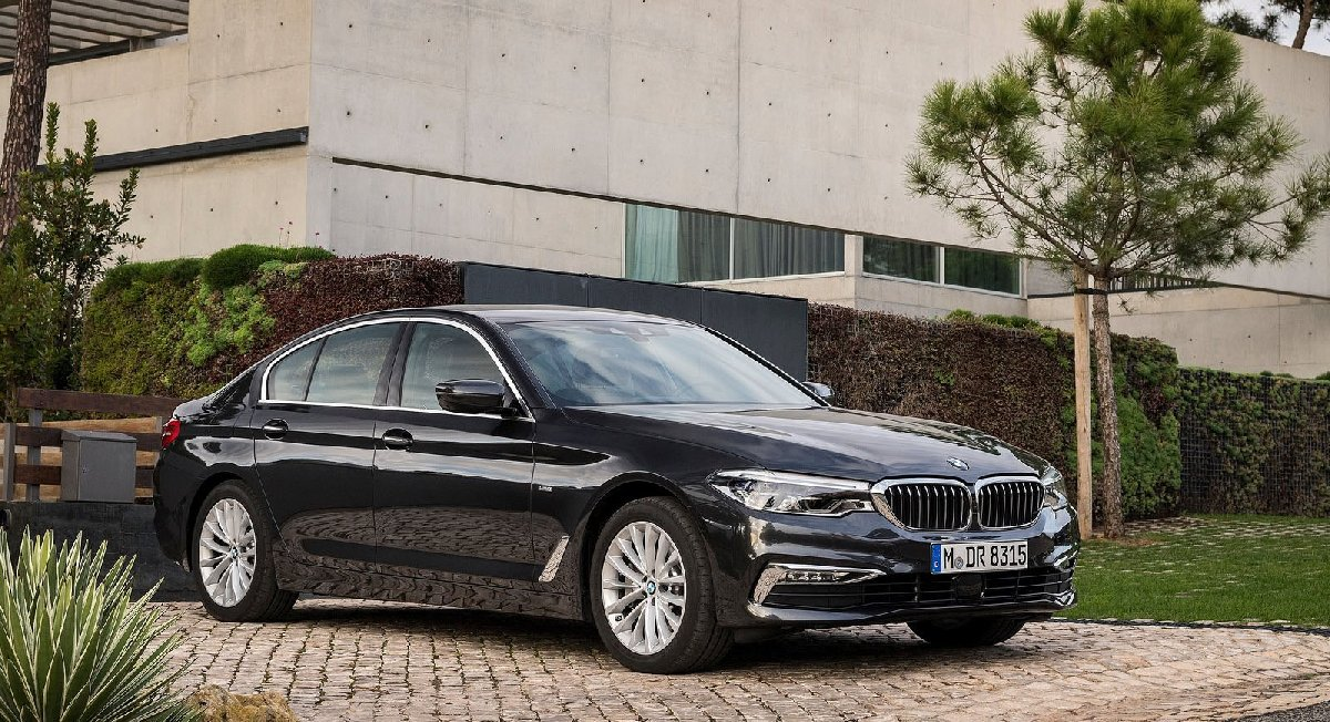 bmw-5-series-2017-1600-0c-kopya