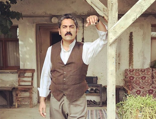 Bülent Polat Bir Zamanlar Çukurova dizisinde kahya Gaffur karakterini canlandırıyor