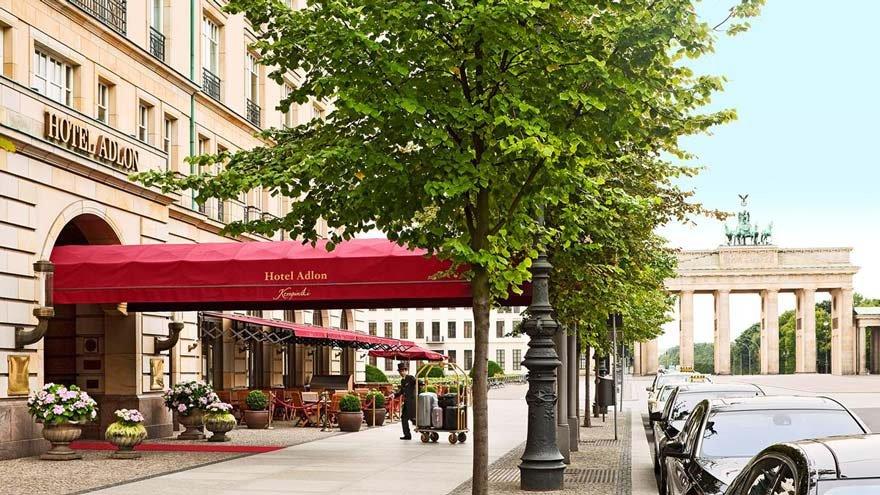 Berlin'deki Adlan oteli, ünlülerin ve zenginlerin kaldığı, Almanya'nın en ünlü oteli.