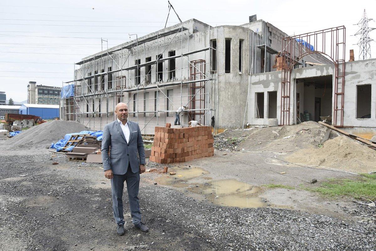 """Tekkeköy Belediyesi yaklaşık 3,5 milyon TL harcanacak olan hamam yapımına vatandaşlar """"Daha verimli ve istihdam sağlayacak alanlara yatırım yapılsa daha iyi olur"""" diyerek duruma tepki göstermişti."""