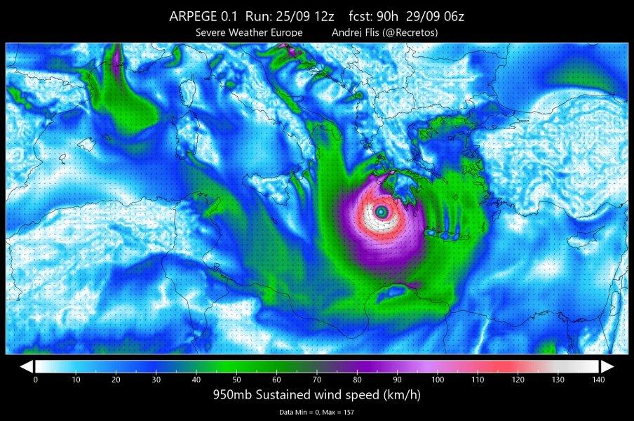 Kasırga uluslararası tahmin sistemlerin böyle yansıdı.