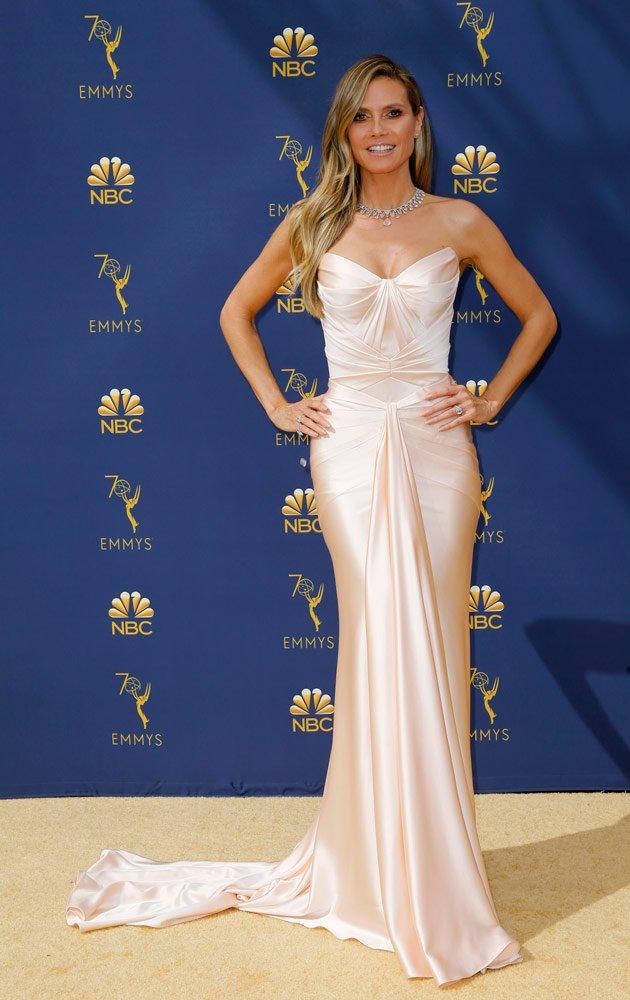 Ünlü model Heidi Klum yine her zamanki gibi çok şıktı. Zac Posen elbisesi ile düzgün vücudu da ortaya çıkmış...