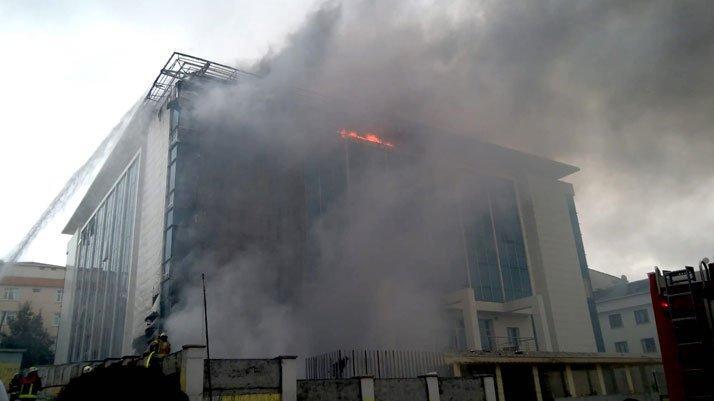 İstanbul'da huzurevinde korkutan yangın