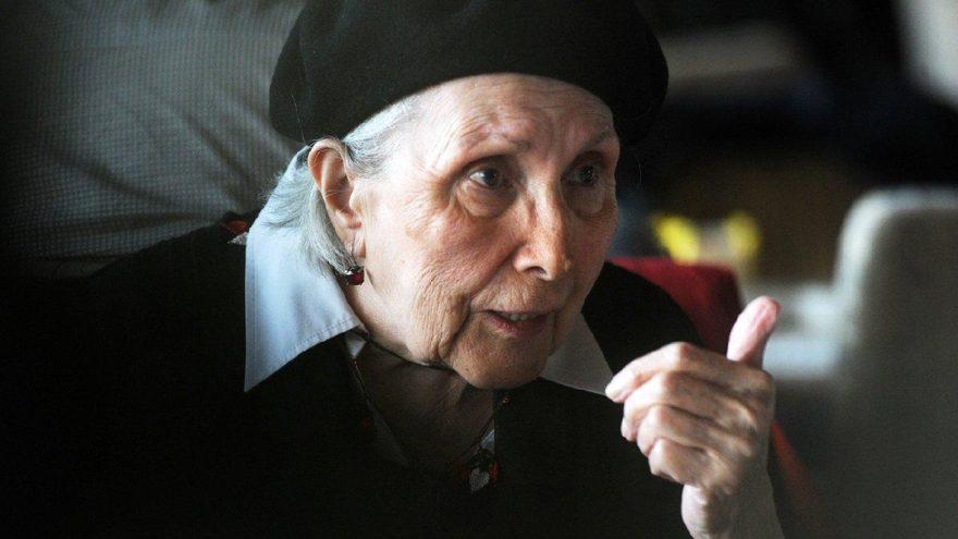 Erdal Öz Edebiyat Ödülü Adalet Ağaoğlu'nun oldu