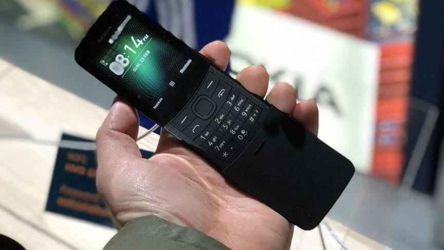 Nokia'nın efsanesi, efsane oyunla geri dönüyor! İşte 8110'un Türkiye fiyatı ve özellikleri