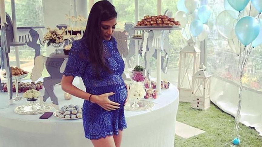 Aslıhan Doğan Turan'ın 'baby shower'daki stili göz kamaştırdı