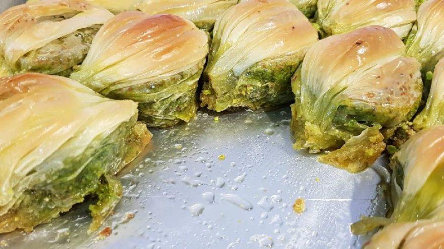 """Gaziantepli baklavacıların """"midye"""" kavgası büyüyor"""