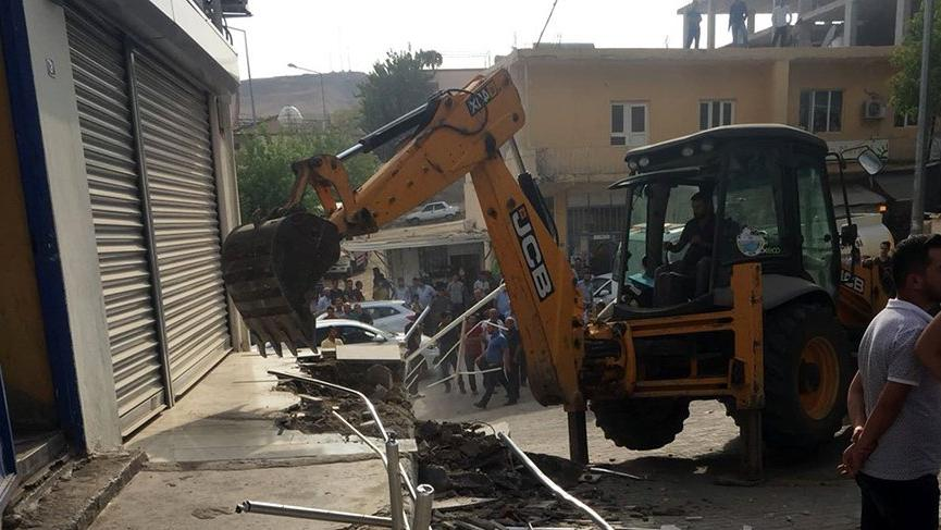 Pompa istasyonunun elektriğini kesen DEDAŞ'ın bürosu mühürlendi