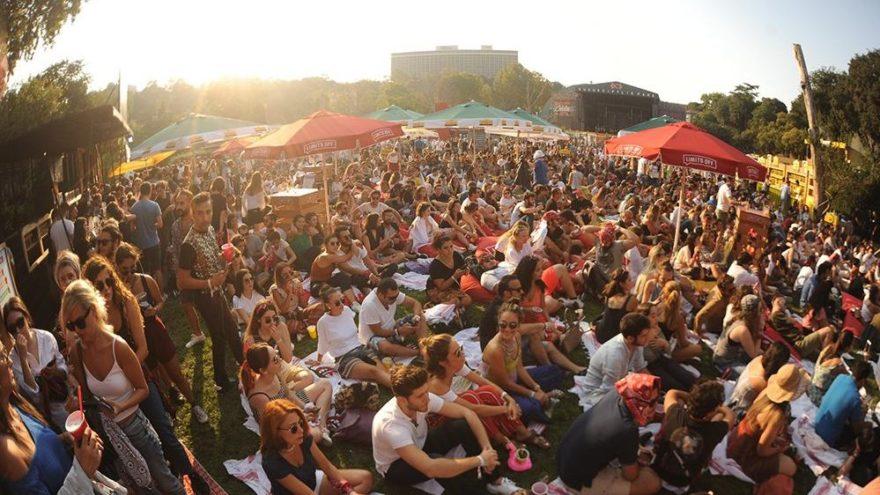 10 bin kişi kokteyle ve müziğe doydu