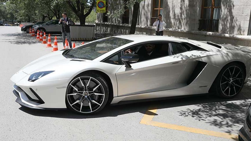 Sofuoğlu Lamborghini'sini satıyor