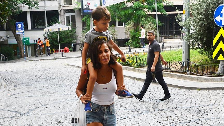 Derya Çavuşoğlu omzunda taşıdı