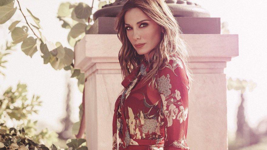 Yunan yıldız Despina Vandi: Bir tane hayatın var, doya doya yaşa!