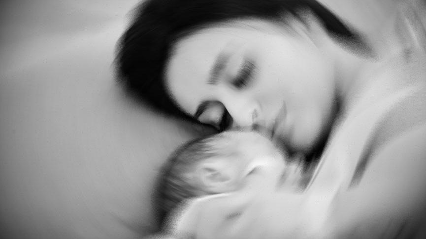 İzmir'de doğumdan sonra ölen kadının otopsisi yapıldı