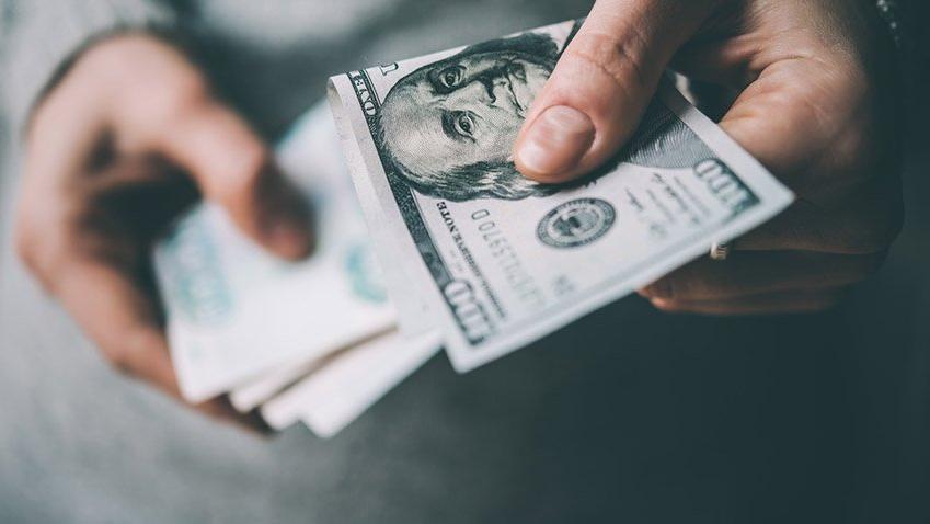 Türkiye'de dolarla maaş dönemi bitiyor mu?