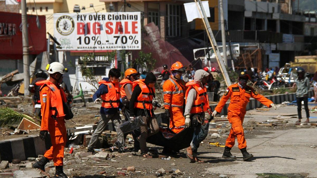 Endonezya'da bilanço artıyor: 832 kişi öldü