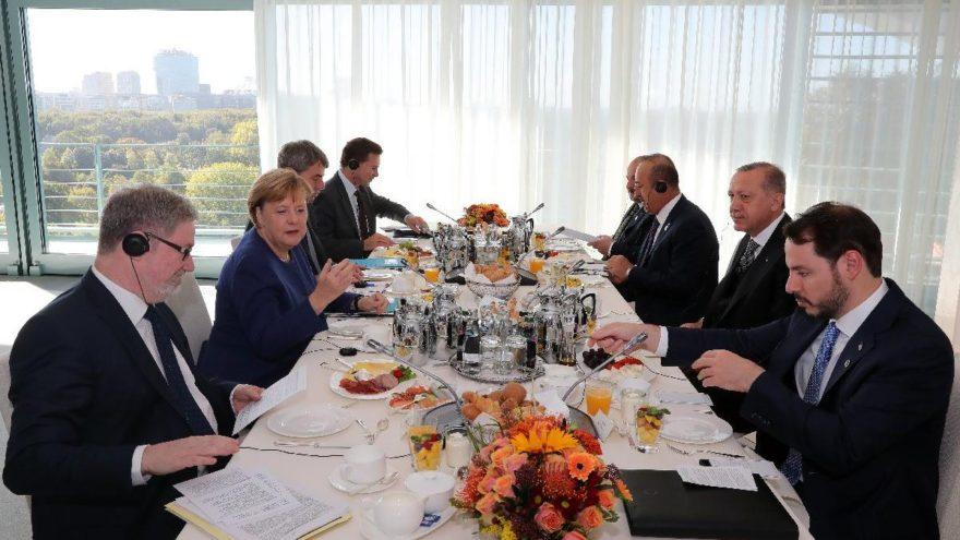 Almanya ziyaretinde 3. gün… Kahvaltıda buluştular