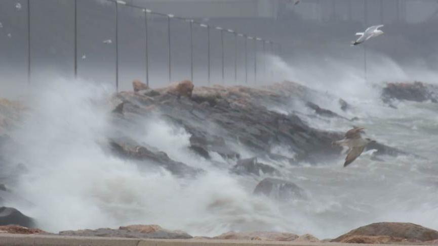 Son dakika: İstanbul ve İzmir için yeni fırtına uyarısı! Meteoroloji'nin son tahminleri korkuttu...