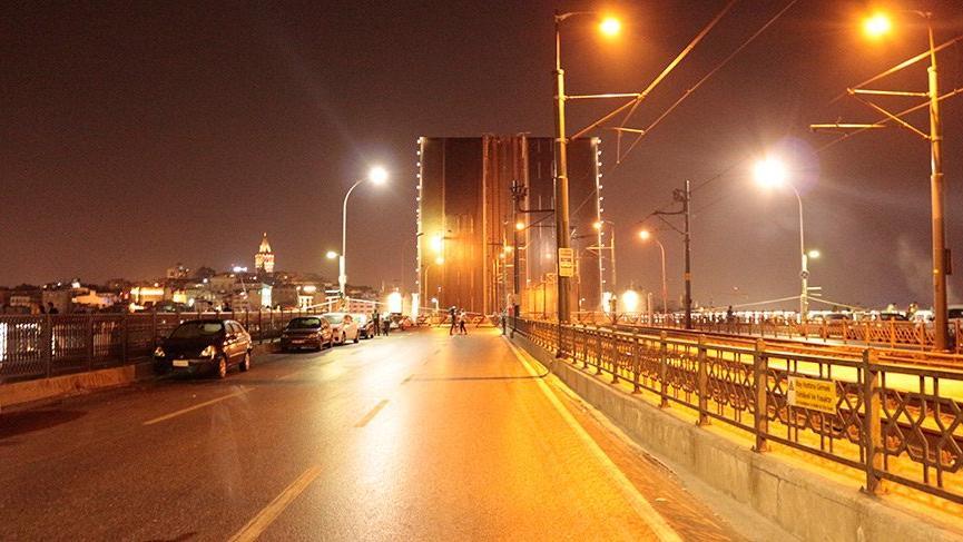 Galata Köprüsü trafiğe kapatıldı