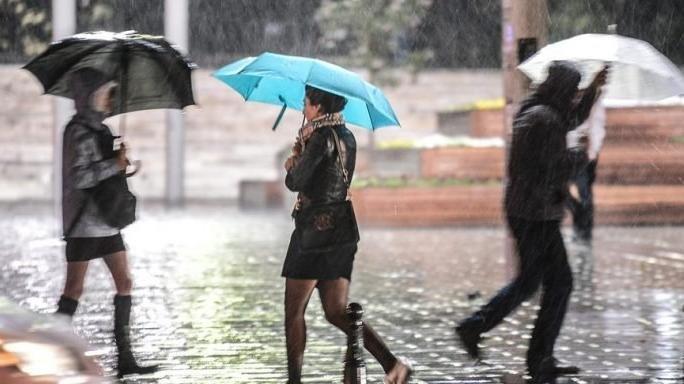 Yaza veda… Sıcaklıklar günden güne düşerken yağmura dikkat!