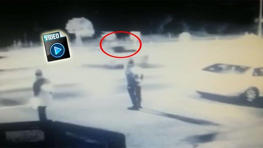 Alkollü kadın sürücü 'dur' ihtarı yapan polise çarptı! O anlar kamerada