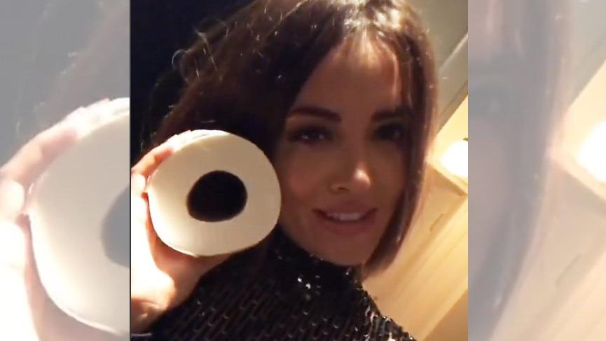 İrem Sak'tan tuvalet kağıtlı paylaşım